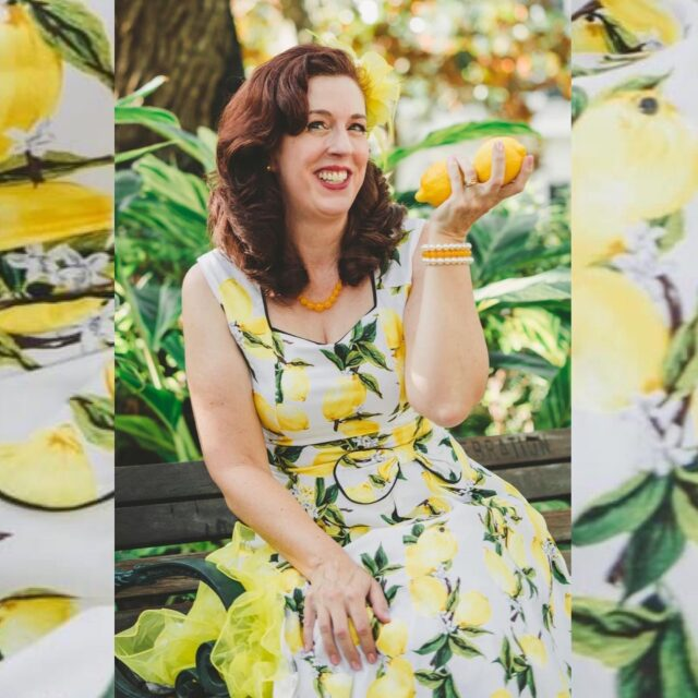 💛 Yellow 💛 was not a color I appreciated until Dapper Day lemons, until the @papertruly logo, until glass jars of honey, until golden book latches, until mosquitos preserved in fossilized amber.  Positivity by association is a formation of your mind. They say yellow is the color of happy.   When life hands you lemons, think positive. It's up to you. 😊  🍋   #thedapperdayphotographer #lemonpinup #lemondress #yellow #thinkpositive @dapperday