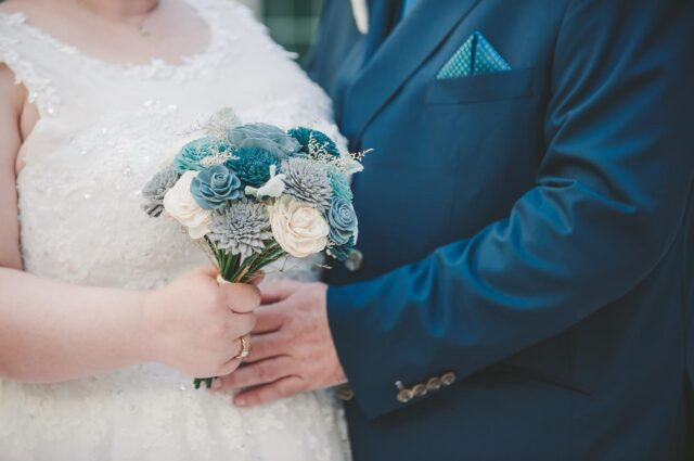 I am in favor of this bride's teal obsession. Especially when it comes to the groom's suit! 💙💚  #imágemweddings #tealsuit #tealwedding